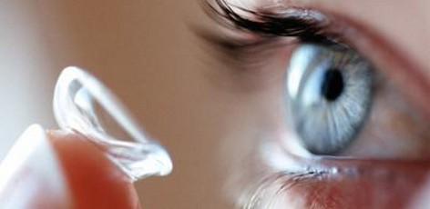les risques du manque d'hygiene des lentilles de contact