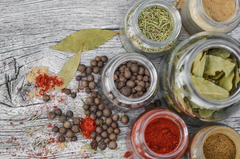 Epices, poivres et herbes : Bienfaits des condiments sur la santé 1