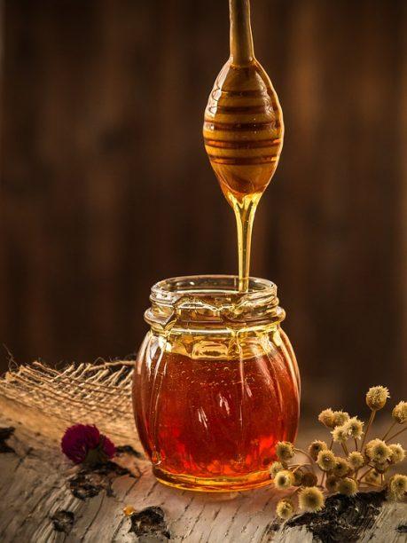 Le miel d'acacia : Caractéristiques, utilisations et vertus 2