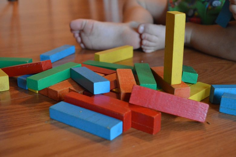 Jouets en bois dans la méthode Montessori 1