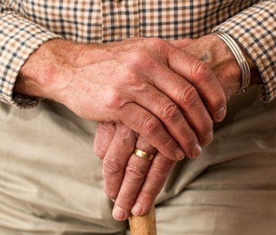 Prévention des chutes à la maison : Éviter aux personnes âgées de tomber