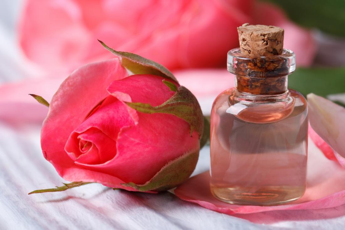 Les bienfaits cosmétiques et thérapeutiques de l'eau de rose