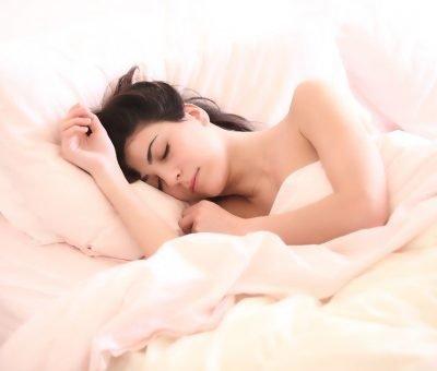 Pourquoi les femmes se lèvent-elles plus tôt que les hommes ?
