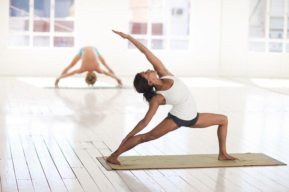 Qu'est ce que Le yogalates ? Origine, déroulement et bienfaits