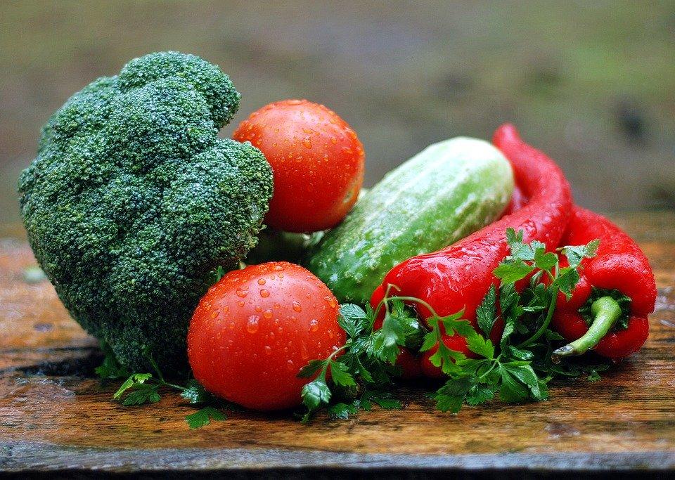 Lorsqu'ils peuvent choisir, les enfants mangent plus de légumes