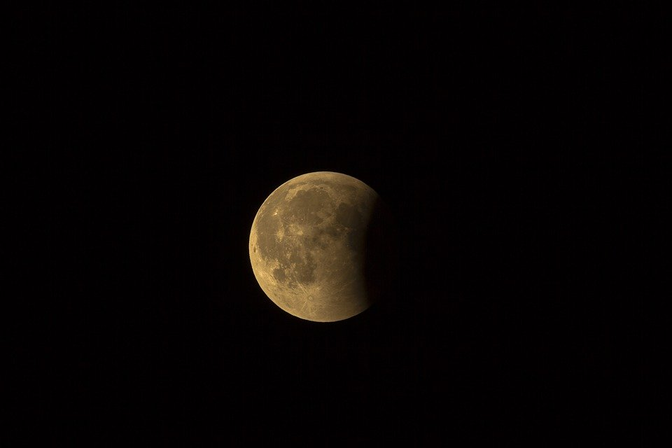 La lune et les thérapies naturelles